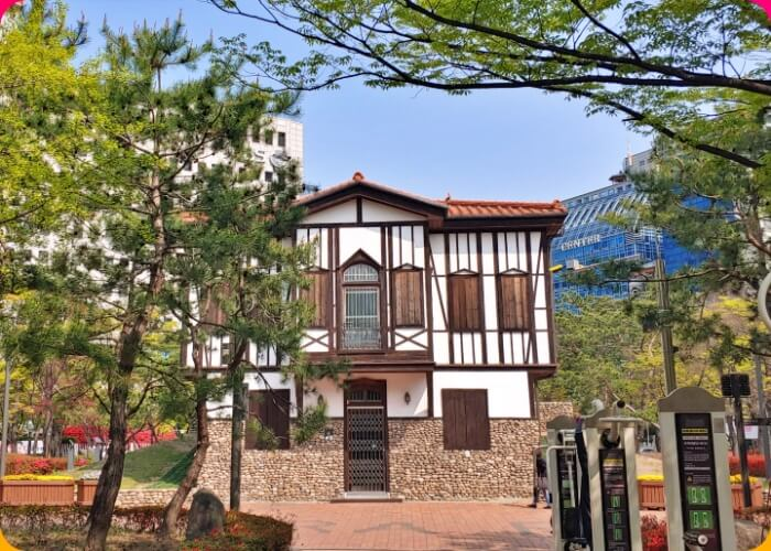 Ankara - Parks - Wine - Houses